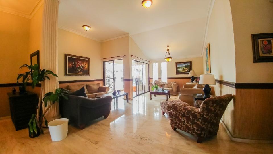 Penthouse en venta en el sector ARROYO HONDO precio US$ 220,000.00 US$220,000