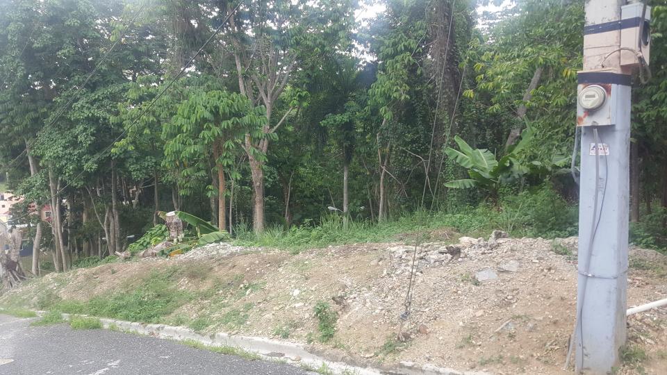 Terreno en venta en el sector ALTOS DE ARROYO HONDO III precio RD$ 2,930,000.00 RD$2,930,000